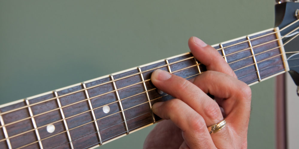 Playing a G7 Barre Chord